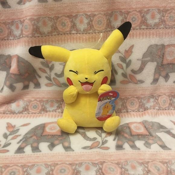 Pokémon Plush Pikachu NWT